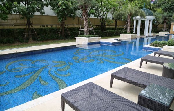 Royce-Private-Residences-Bangkok-condo-for-sale-swimming-pool-2